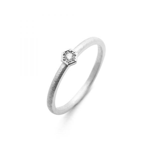 Bee pierścionek z białego złota z brylantem 2.5mm - Marcin Czop Autorska Pracownia Biżuterii