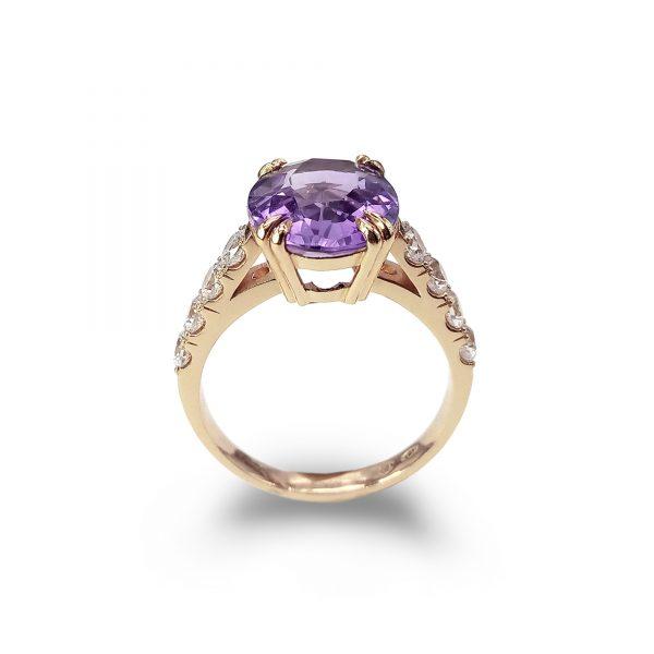 Violet złoty pierścionek z dużym ametystem i białymi topazami - Marcin Czop Autorska Pracownia Biżuterii -gp2